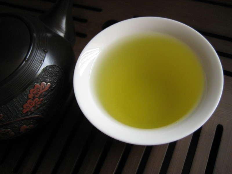 http://mellowmonk.com/images/top-leaf-green-tea-cup-01.jpg